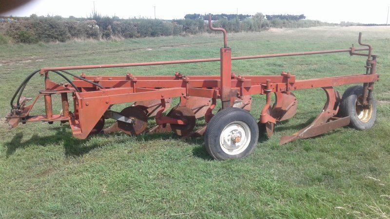 Clough 5 Furrow Plough (177)